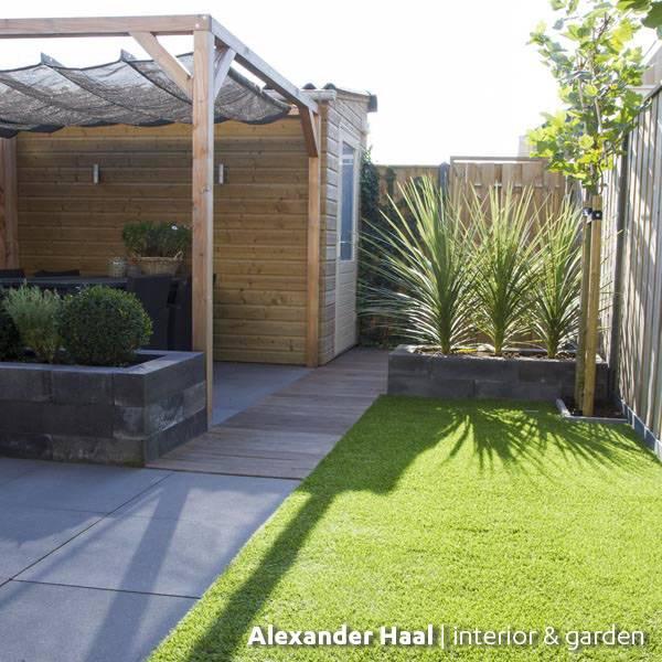 Kunstgras in een moderne tuin